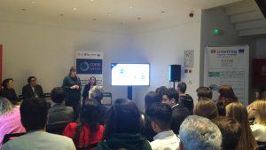 Más de 50 jóvenes asistieron a la charla formativa en la Embajada Española